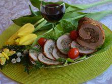 Wielkanocny boczek z mięsem i pieczarkami