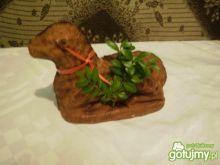 Wielkanocny drożdżowy baran