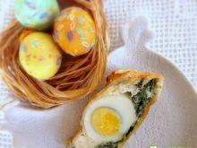 Wielkanocny placek szpinakowy z jajkami