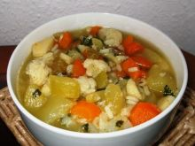 Wielowarzywna zupa z cukinia i ryzem