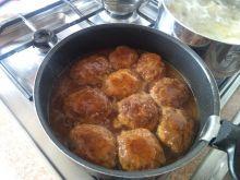Wieprzowe kotlety z koprem w sosie