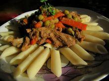Wieprzowina z warzywami i makaronem penn