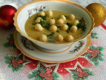 Wigilijna zupa krem z grochu łuskanego