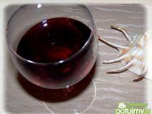 Wino wiśniowe.