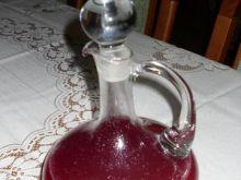 Wino z czerwonych porzeczek