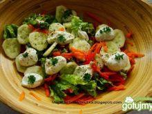 Wiosenna sałata z pieprzem cytrynowym