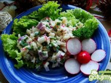 Wiosenna sałatka ryżowa z rzodkiewką