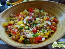 Wiosenna sałatka ryżowa z słonecznikiem