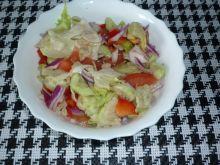 Wiosenna sałatka z pomidorkiem