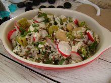 Wiosenna sałatka z ryżu kolorowego