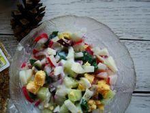 Wiosenna sałatka z sosem tzatziki