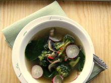 Wiosenna zupa z brokuła i szpinaku