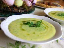 Wiosenna zupa ze świeżych ziół