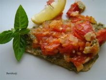Wiosenny karmazyn pod pomidorową salsą