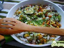 Wiosenny ryż z patelni