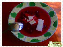 Wiśniowa zupa z kaszą manną na gęsto