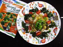 Włoski smak warzyw z kurczakiem, makaronem i chips