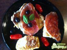 włoskie grzanki z mozzarellą i prosciutt