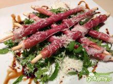Włoskie patyki z szynką parmeńską