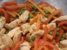 WOK warzywa z kurczakiem