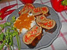 Wołowa rolada z mozzarellą i pieczoną papryką