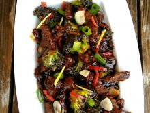 Wołowina stir fry z brokułami