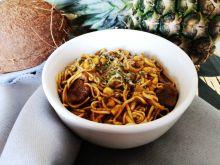 Wołowina w curry z makaronem Chow Mein