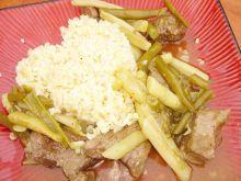 Wołowina w sosie własnym z fasolką szparagową