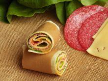 Wrapy z salami i serem