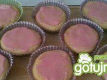 Wybitnie łatwe różowe muffinki.