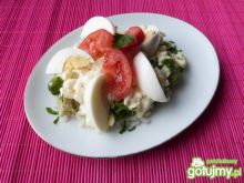 Wyborna sałatka z brukselki z jajkami