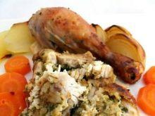 Wyluzowany, nadziany kurczak