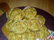 Wytrawne pełnoziarniste muffiny serowe