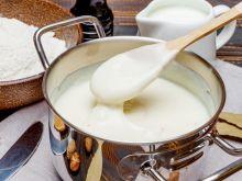 Zagęszczanie sosu mąką