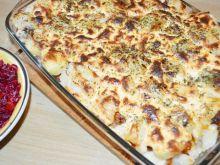 Zapiekane pulpety z ziemniakami i sosem