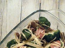 Zapiekanka makaronowa z brokułem