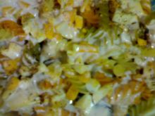 Zapiekanka makaronowa z kozim serem.