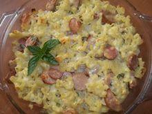 Zapiekanka makaronowa z serem i parówkami