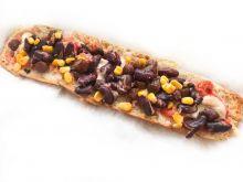 Zapiekanka z fasolą, kabanosem i kukurydzą