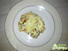 Zapiekanka z kiełbasą i makaronem