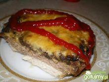 Zapiekanka z kurczaka, mięsa i pieczarek
