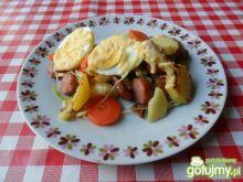 Zapiekanka z ziemniaków, pory i jajek.