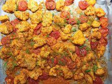 Zapiekany kalafior z pomidorkami koktajlowymi