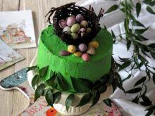 Zawijany tort szpinakowy z malinowym kremem