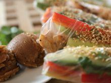 Spring rolls z sosem orzechowym