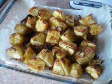 Maślane ziemniaki z cebulą pieczone