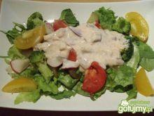 Zdrowa kolacja na sałacie