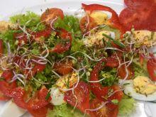 Zdrowa sałatka z jajkiem