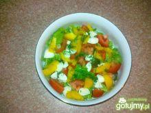 Zdrowa sałatka z mozzarellą