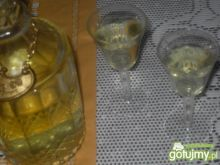 Zdrowotna nalewka czosnkowa z winem